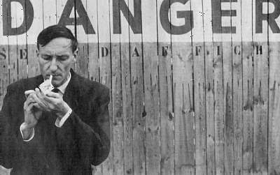 «FEAR AND THE MONKEY» por William S.Burroughs