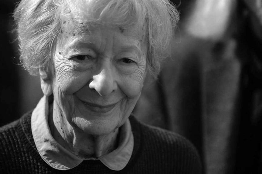 «LUDZIE NA MOŚCIE [Gente na ponte]» por WisławaSzymborska